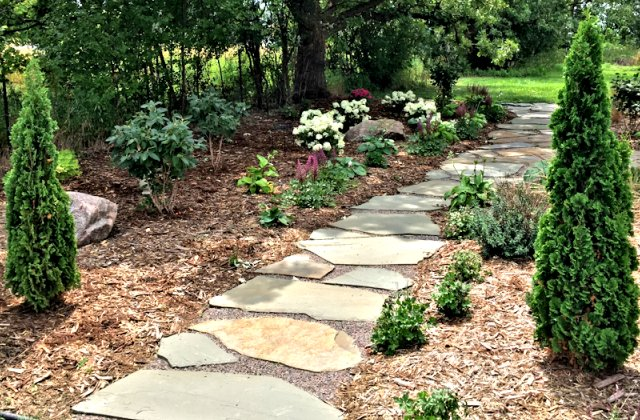 Bluestone paver path